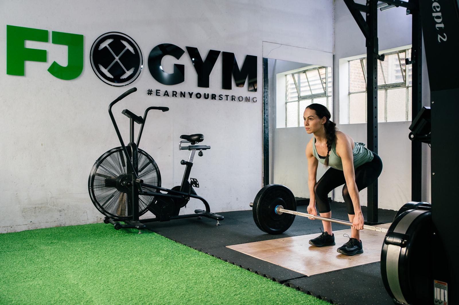 gym exercise deadlift