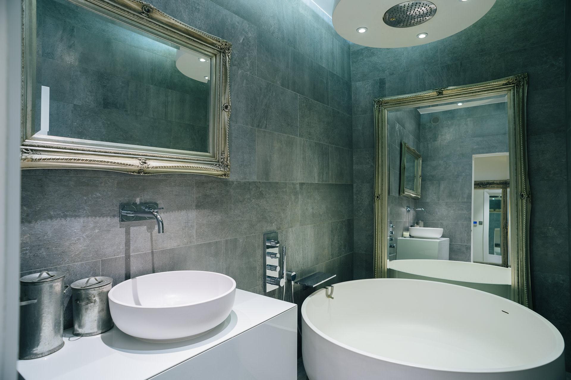 bathroom by ecsc
