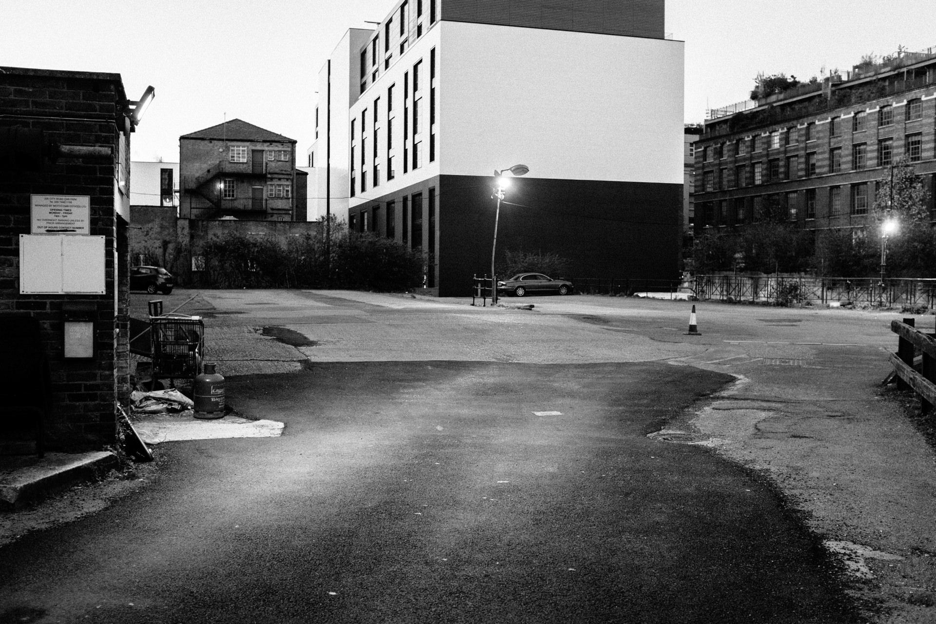 Empty oldstreet parking