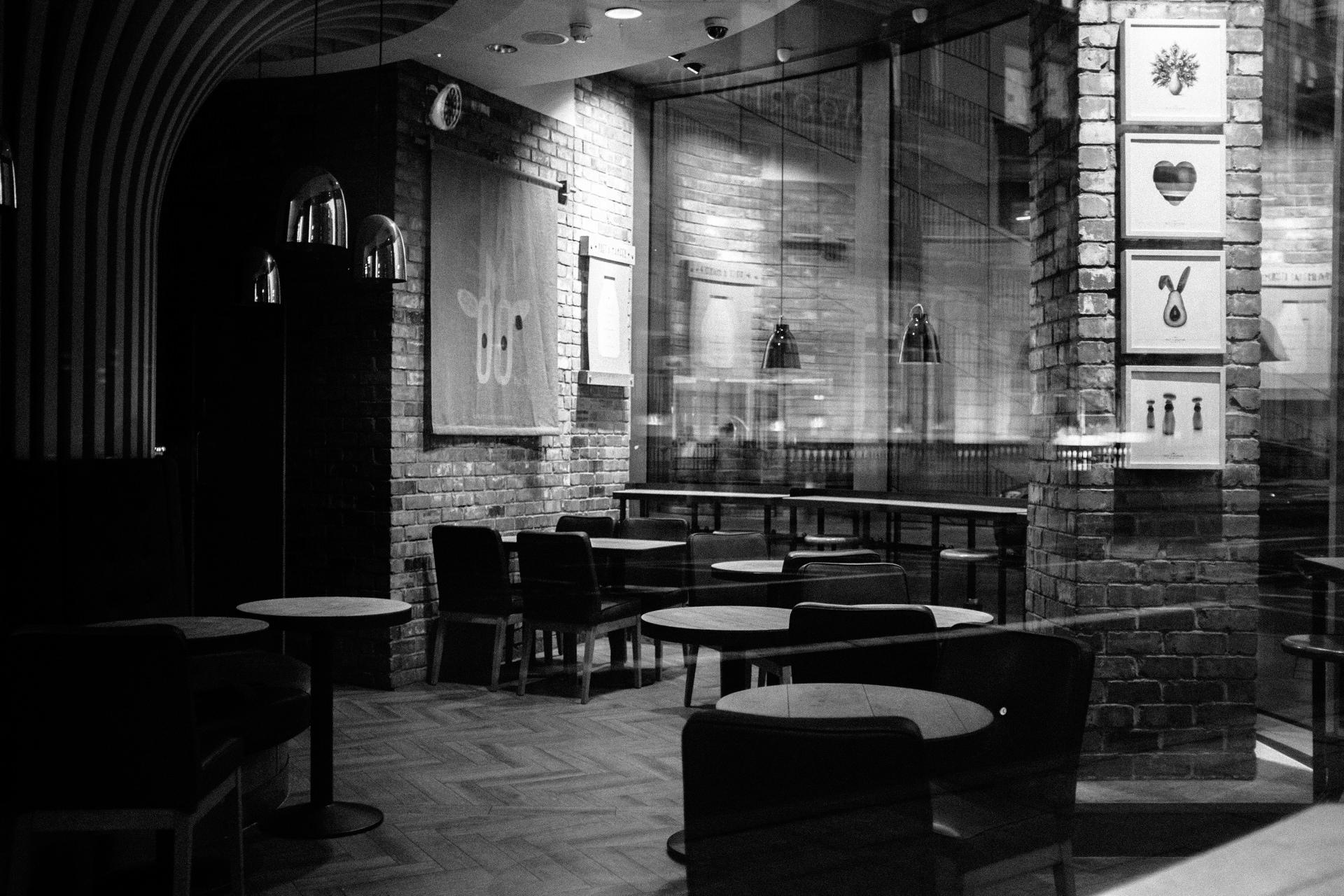 empty costa coffee oldstreet