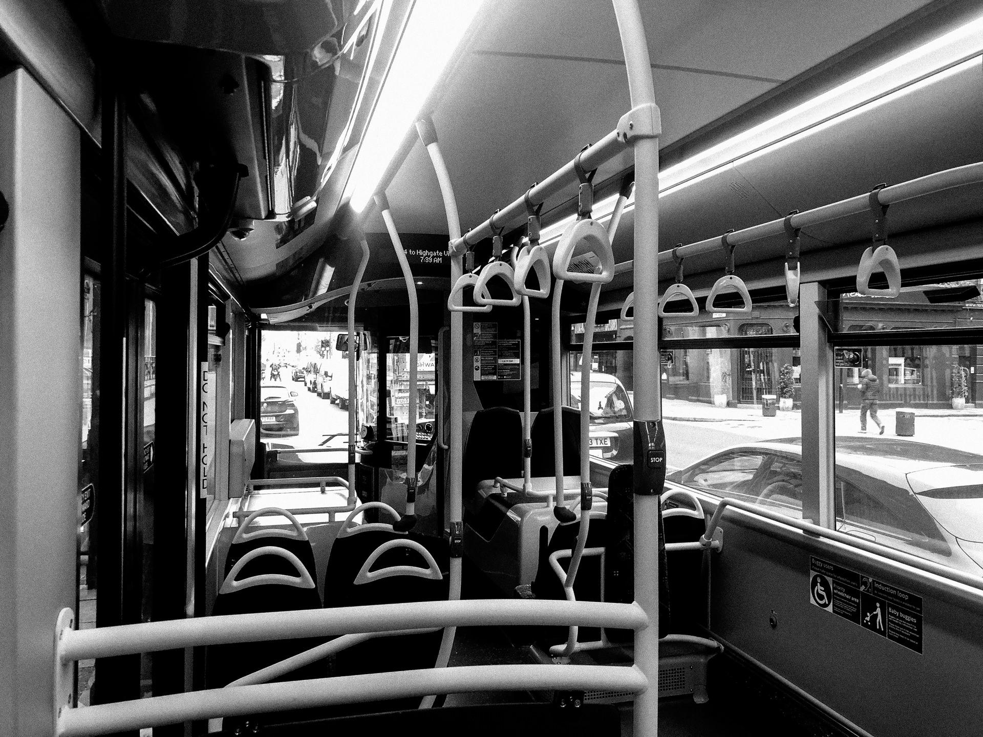 empty london bus due to the corona virus