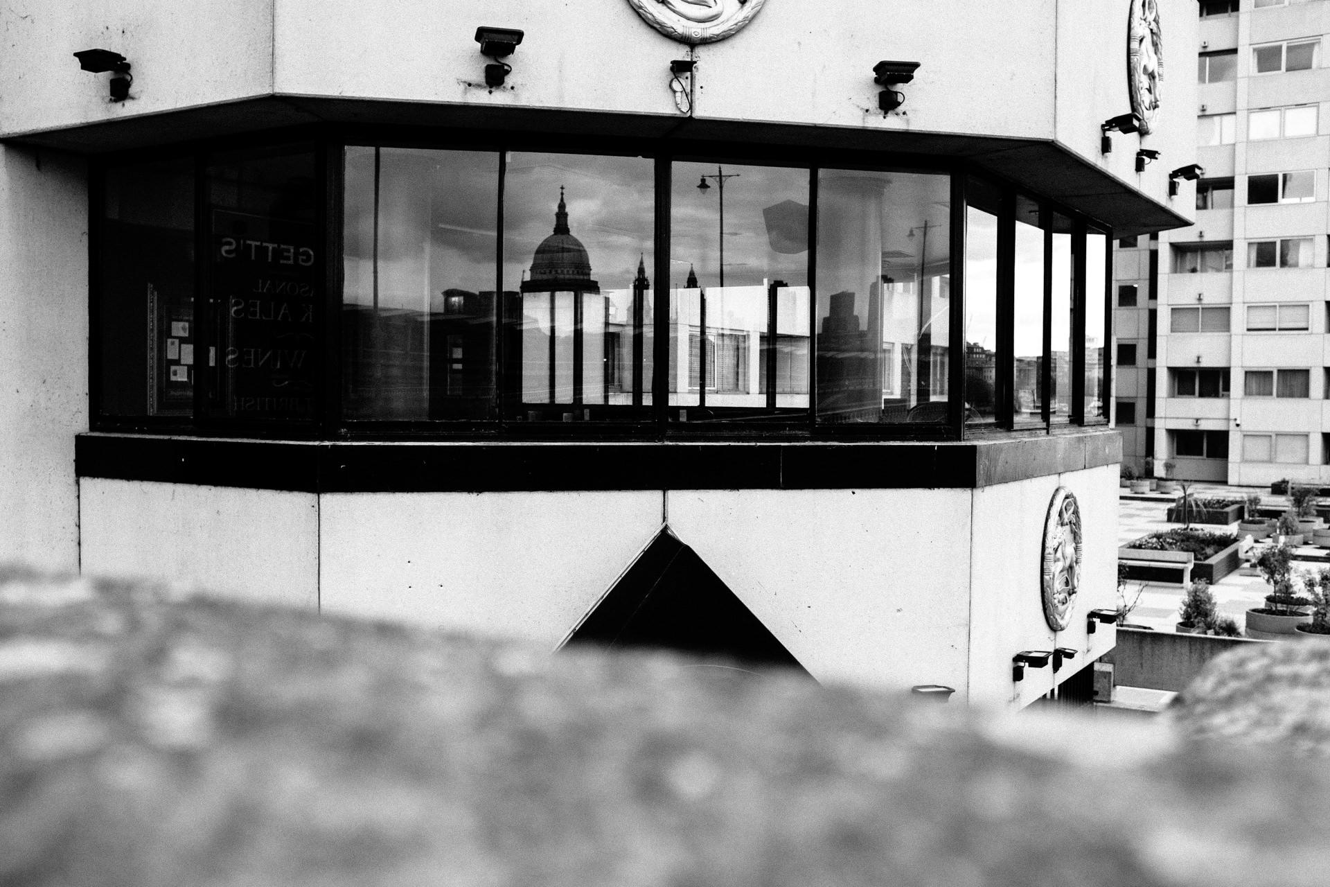 empty pub near wesminster brisge