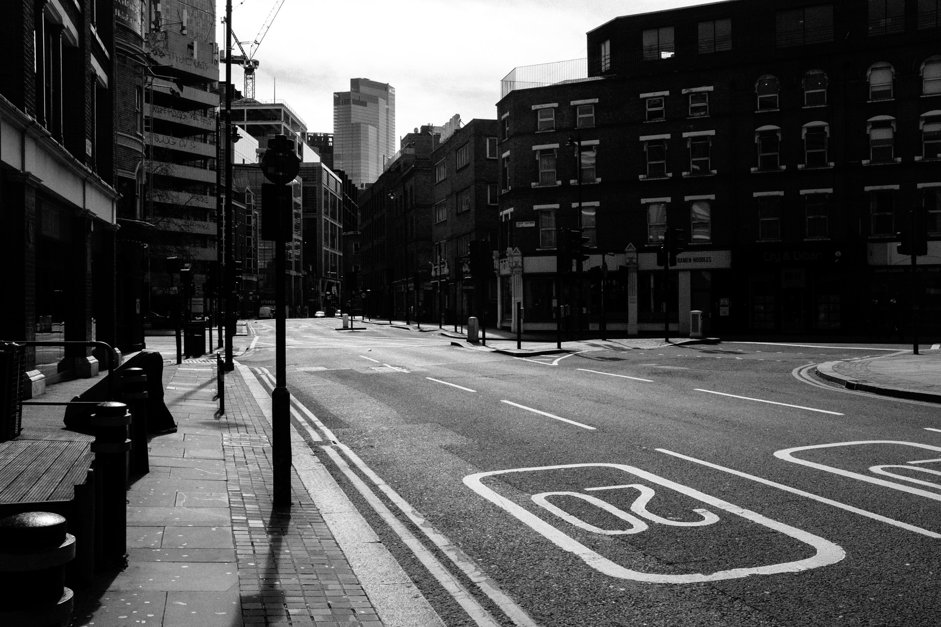 enpty london streets during corona virus