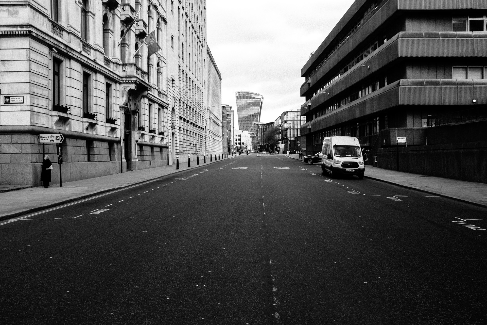 totally empty steet in london during the lockdown 2020