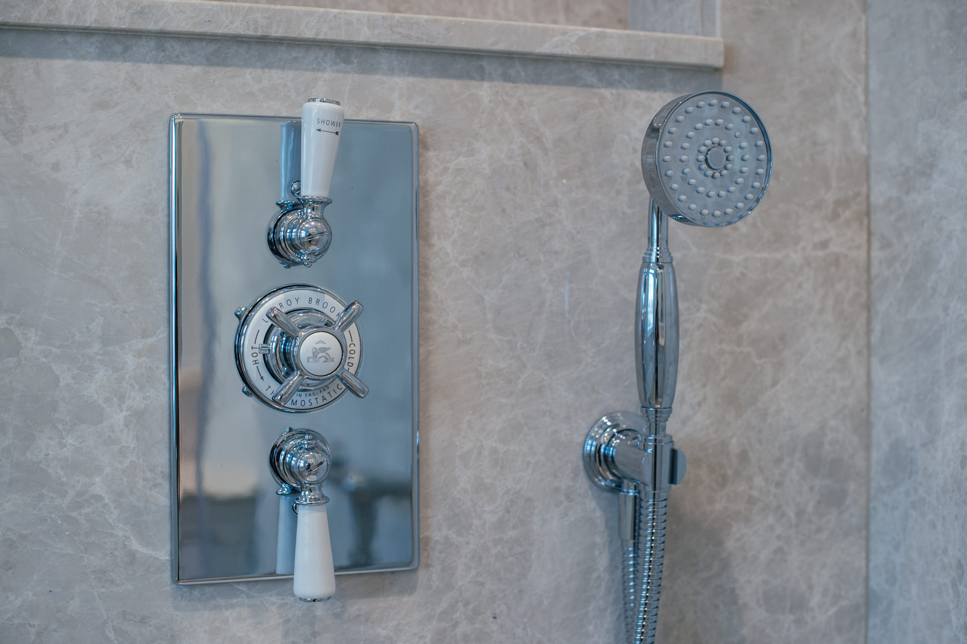 shower tabs and shower head